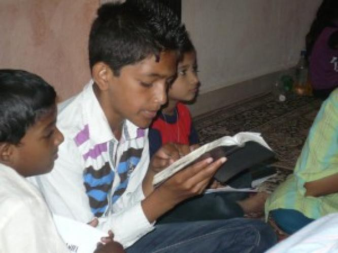 Ajută copiii idolatrei India să Îl cunoască pe Domnul! (video)