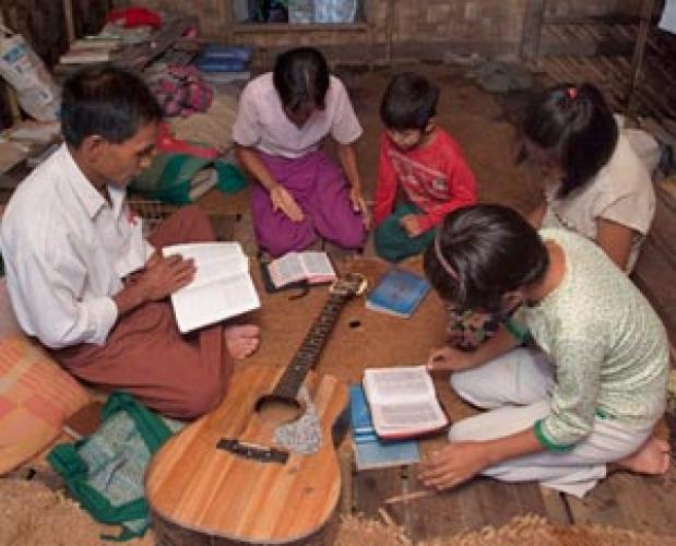 VOM: Rugați-vă pentru Myanmar (Birmania), o națiune aflată în nevoie de lumina lui Dumnezeu