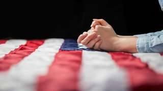 Zeci de mii se unesc în rugăciune pentru America în Washington DC | AO NEWS