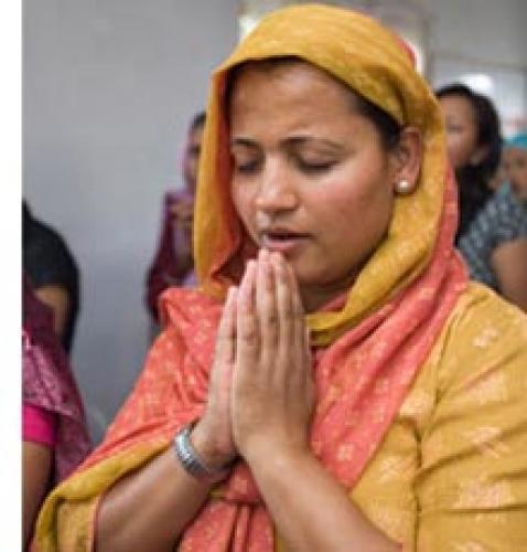 Rugați-vă pentru misionarii indieni