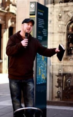 Un alt predicator de stradă arestat