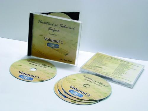 Primul volum de partituri pentru fanfară aranjate de Cristi Holerga
