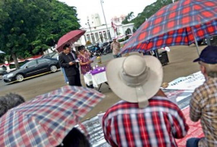 Indonezia: Bisericile persecutate au ţinut serviciul de închinare în faţa palatului prezidenţial