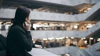 Studiu: Utilizarea excesivă a reţelelor sociale duce la depresie | Știre Alfa Omega TV