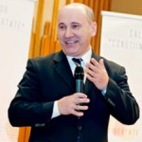 Președintele Cultului Creștin după Evanghelie se adresează Comisiei de la Veneția